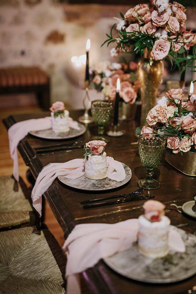 Stepsis This time Stepsis created a stunning rustic-meets-vintage wedding concept, that will inspire you.
